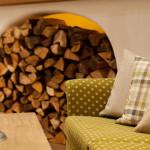Hotel Sonnenalp - Louge, Holz und Stoffe