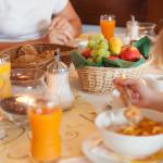 Hotel Tannhof - Familie beim Frühstück