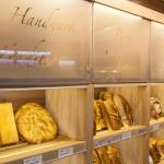 Vollwert Brote im Verkaufsregal - Kornblume Ofterschwang