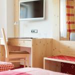 Gästehaus Hörnerblick - Warme Farben und Hölzer - gemütliche Zimmer