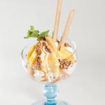 Eisbecher mit Ananas