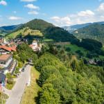 Luftaufnahme Hotel Allgäu Sonne in Oberstaufen - Sommerlandschaft