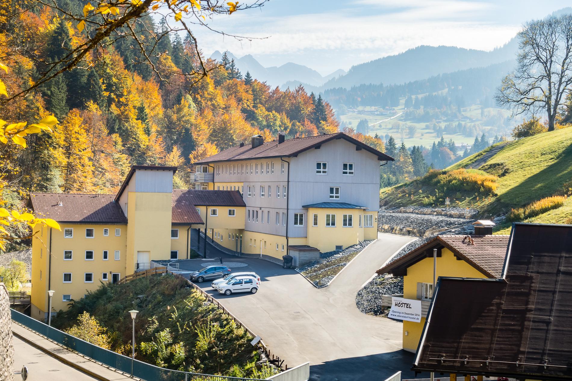 Oberstdorf Hostel im Herbst Retusche