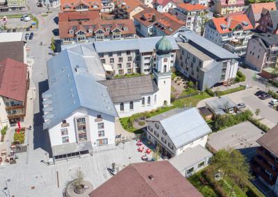 Luftaufnahme Spital Sonthofen mit Fussgängerzone